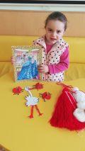 """Децата от група """"БЪРБОРИНО"""" заедно с техните родители изработиха мартенска украса за детската градина! 2 - ДГ Райна Княгиня - Стамболийски"""
